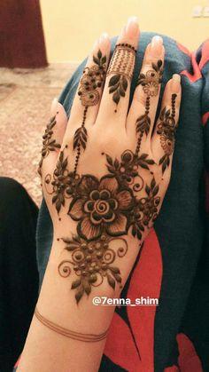 New bridal mehendi designs arabic fingers Ideas Pretty Henna Designs, Floral Henna Designs, Finger Henna Designs, Arabic Henna Designs, Mehndi Designs Book, Mehndi Designs 2018, Modern Mehndi Designs, Mehndi Design Pictures, Mehndi Designs For Beginners