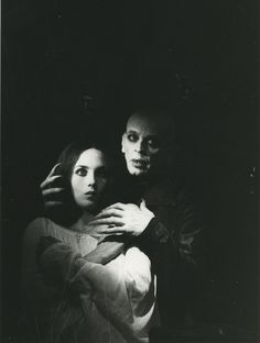 Nosferatu The Vampyre Isabelle Adjani, Horror Comics, Horror Films, Horror Stories, Summer Kisses Winter Tears, Gothic Movies, Incredible Film, Dark Art Photography, Werner Herzog
