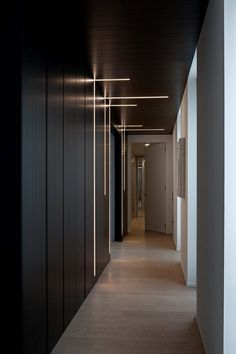 View full picture gallery of Living Mansarda Flur Design, Plafond Design, Wall Design, House Design, Modern Lighting Design, Modern Design, Corridor Lighting, Corridor Ideas, Club Lighting