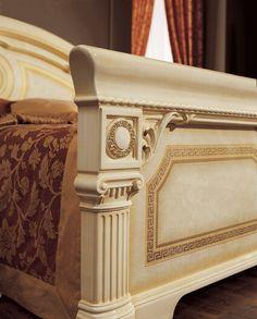 ESF Aida Ivory Gold Lacquer Finish Queen Bedroom Set Made in Italy Buy online! King Bedroom Sets, Queen Bedroom, Queen Beds, Italian Bedroom Sets, Classic Bedroom Furniture, Traditional Dressers, Platform Bedroom, Veneer Panels, Gold Bedroom