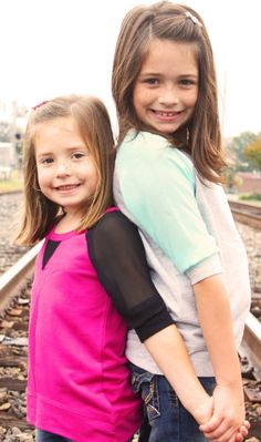 Sisters Photography or brother and sister on railroad tracks Friendship Photography, Sister Photography, Cute Photography, Children Photography, Sibling Photo Shoots, Sibling Poses, Kid Poses, Siblings, Picture Poses