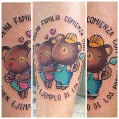 """""""Una buena familia comienza con un buen ejemplo de los padres"""".Cynthia quiso escribir esa frase por si acaso quedaba alguna duda de que papá oso y mamá osa son su ejemplo a seguir. Mucha ternura y mucha razón en el tattoo de esta tarde [Para presupuestos, consultas o desvaríos varios podéis escribirme un mail a: hello@tattoosbymeri.com , o mejor aún, pasaos por Trece Tattoo Málaga (Carreteria 58) que es donde trabajo y os atenderemos encantados ♡]"""