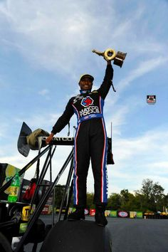 Antron Brown and Team Win the 2015 Carolina Nationals at Zmax Drag Way in the Matco Tools Nitro Dragster