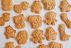 How To Make Big Homemade Animal Crackers » Bigger Bolder Baking Baby Food Recipes, Baking Recipes, Cookie Recipes, Homemade Vanilla Wafers Recipe, Bigger Bolder Baking, Biscoff Cookies, Shortbread Cookies, Animal Cookie Cutters, Baking Cookbooks