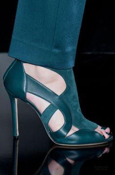 918fee27f17 16+ Marvelous Shoe Closet Ideas