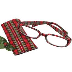 Dear Santa - please bring me a pair of Tartan reading glasses...