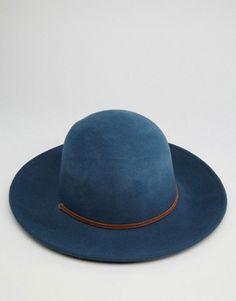 Brixton Hat Tiller