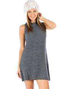 Εφαρμοστό πλεκτό φόρεμα σε Α-γραμμή, 49,90€.