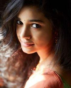 South Indian Actress Photo, Indian Actress Photos, South Actress, Indian Actresses, Cute Beauty, Beauty Full Girl, Beautiful Girl Photo, Beautiful Gorgeous, Girl Pictures