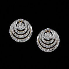 Real Gold Jewelry, Emerald Jewelry, Jewelry Art, Diamond Jewelry, Fine Jewelry, Diamond Bracelets, Indian Jewelry, Real Diamond Earrings, Diamond Earing