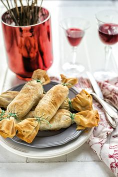 "Vegetarian ""Christmas Cracker"" Starters - stuffed with vegetables, pumpking, cranberry, almonds, feta & hummus"