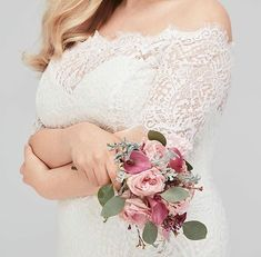 So effortlessly stylish and feminine Savannah in-store ready for you to try on. Bridal Gowns, Wedding Gowns, Plus Size Brides, Curvy Bride, Bridal Stores, Try On, Lace Sleeves, Feminine, Stylish
