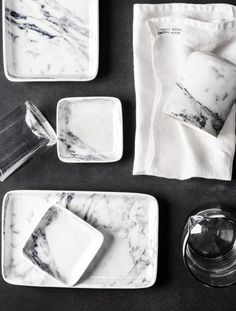 H&M plates that look like marble! FAB!