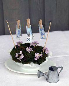 Schöne Idee für ein Geldgeschenk zur Hochzeit oder zum Einzug. Noch mehr Ideen gibt es auf www.Spaaz.de