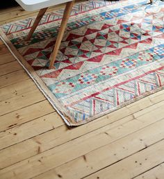 Love the design on the rug!