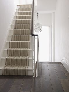 A modern staircase. Stair runner on plain white stairs Painted Floorboards, Painted Stairs, Wooden Stairs, Oak Stairs, Steel Stairs, Concrete Stairs, House Stairs, Carpet Stairs, Hall Carpet