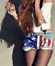 Image about girl in fashion by camille on We Heart It Tumblr Hipster, Glam Rock, Moda Outfits, Cute Outfits, Pretty Outfits, Hotpants Jeans, Shorts Tights, Denim Shorts, Girls Shoes