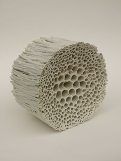 A favorite medium of mine is ceramic – porcelain can be translucent, stoneware. A favorite medium of mine is ceramic – porcelain can be translucent, stoneware can be chalky and Sculptures Céramiques, Sculpture Art, Ceramic Sculptures, Kintsugi, Ceramic Clay, Ceramic Pottery, Keramik Design, Paperclay, Contemporary Ceramics