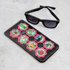 Indian Influx Spectacle Case : The Indian Influx range mini eye glass cases are inspired by all authentic Indian elements, and successively pull several nostalgic strings. With rickshaws, the Chetak, peacock, house boat, to the majestic elephant that rides up with his royal decorum, this sunglass cases are an exotic mirror to all things Indian . Ideally sized to fit all spectacle types, and built of faux leather these are are enduring, and appealing.