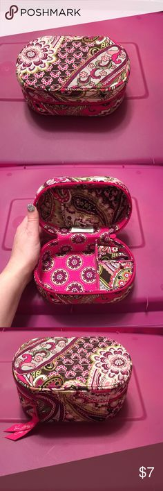 Vera Bradley jewelry box paisley meets plaid EEUC Jewelry box zip closure. Inside has a elastic pouch pocket. A little open compartment, a small compartment with a pull open cover and a small spot for rings. Vera Bradley Accessories