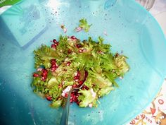 Prinsessä Nautasikaan kasviskeittokirja 2015: Granaattiomena-salaatti