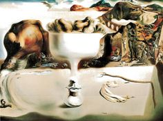 Salvador Dali - Apparition of a Face and Fruit-Dish