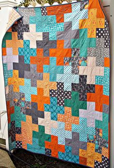 It's a quilt as you go. Cute way to finish a quilt! Plus quilt love the colors! so stripey fun! Patchwork Quilt, Scrappy Quilts, Baby Quilts, Quilting Projects, Quilting Designs, Sewing Projects, Quilting Ideas, Patch Quilt, Quilt Blocks