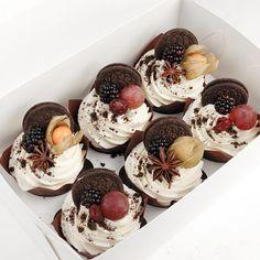 260 vind-ik-leuks, 1 reacties - ⠀⠀⠀⠀Ягодные чизкейки и торты (@cakesberries) op Instagram: 'Наши вкусные и очень красивые капкейки! 1200-6 штучек! Скоро будет свободная коробочка! ❤️#cake…'