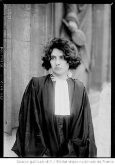 Mlle Rospars, avocate à la cour de Paris / Photographie de presse / Agence Rol (1920)