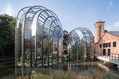 Bombay Sapphire Distillery Laverstoke, U. Thomas Heatherwick capped his adaptation of a historic paper mill in southern England into a production facility and visitor center for Bombay Sapphire gin with a grandiose gesture. Bombay Sapphire Gin, Hotel Breaks, Thomas Heatherwick, Gin Distillery, Country Hotel, Paper Mill, Bacardi, Modern Architecture, Amazing Architecture
