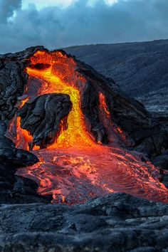 VIDEO Kilauea Volcano East Rift Zone Eruption Update is part of Kīlauea volcano - Hawaii Volcanoes National Park, Volcano National Park, All Nature, Amazing Nature, Volcano Pictures, Volcan Eruption, Erupting Volcano, Volcano Ash, Volcano Iceland