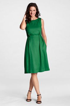This Linen Portrait Collar Dress is what I'll be wearing to the conference Friday. It looks so great on, and it's very Mad Men don't you think?
