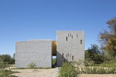 Swartberg House / Open Studio Architecture in Africa Architecture in South Africa Contemporary Architecture South African Homes, Stone Road, Passive Solar Homes, Sea Container Homes, House Of The Rising Sun, Studios Architecture, Architecture Board, Small Modern Home, Solar House