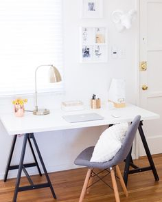 Clean, chic and quick desk #decorating tips in today's blog post and collab video with @emanmakeup! mrkate.com #linkinbio ✂️✏️#mrkatedecorates #becausewhynot #whynot #emanmakeup #mrkate
