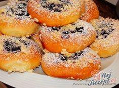 Borůvkové kynuté koláče s drobenkou | NejRecept.cz 20 Min, Confectionery, Bagel, Tart, Food And Drink, Cupcakes, Treats, Chocolate, Baking