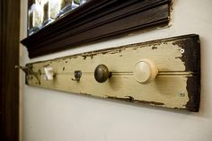 old door knobs diy coat rack Diy Door Knobs, Vintage Door Knobs, Diy Coat Rack, Coat Racks, Coat Hanger, Weekend Crafts, Faucet Handles, Door Handles, Palette