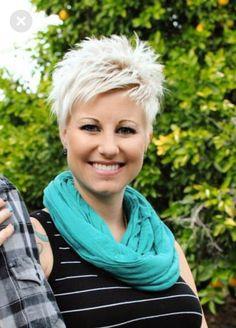 Kurz, aber kraftvoll Kurz aber oho & The post Kurz, aber kraftvoll & Frisuren kurz appeared first on Short hair cuts for women .