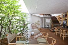 "Built by a21 studio in Binh Thanh District, Viet Nam with date 2012. Images by Hiroyuki Oki. ""Every morning, the first thing that I would like to have is drawing first lines in a comfortable and joyful mind. I ..."