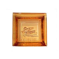 Esta pieza de Etro mide 12,5 x 12,5 cm y puede utilizarse como vaciabolsillos, cenicero o como artículo meramente decorativo.