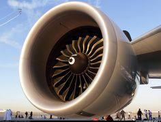 GE-90 - Boeing 777-200LR Qatar Airways.