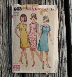 Simplicity 6465 1960s 60s  Flower Collar Mod Dress Vintage Sewing Pattern Size 9jp Bust 32.5