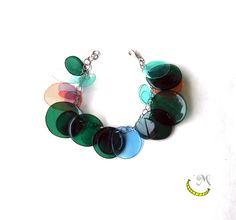 """PLasTiC BubBLeS - """"WRisTBuBL"""" bracciali di plastica riciclata. Bollicine colorate di plastica formano braccialetti allegri e divertenti. in vendita qui: http://it.dawanda.com/product/89076263-bracciali-di-plastica-riciclata bracciale pet plastica malice craftland ecofriendly diy made in italy riciclo creativo artigianato italiano fatto a mano https://www.facebook.com/MaliceCrafts"""