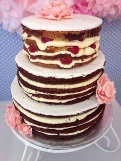 Naked Weddingcake für 50 Personen   Red Velvet