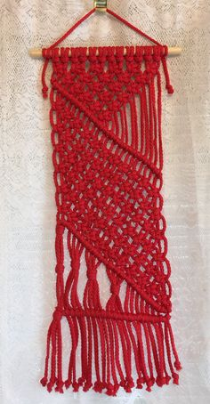 MACRAME WALL HANGING 31, Red Bonnie Craft Cord