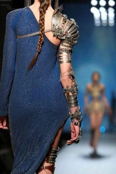 From Jean Paul Gaultier& Spring 2010 Haute Couture Collection. I had no idea steam-punk moved into high fashion Jean Paul Gaultier, Paul Gaultier Spring, Moda Steampunk, Steampunk Fashion, Medieval Fashion, Steampunk Armor, Steampunk Dress, Steampunk Couture, Looks Style