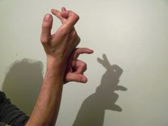 Free crafts for kids - shadow play, hand shadow puppets.