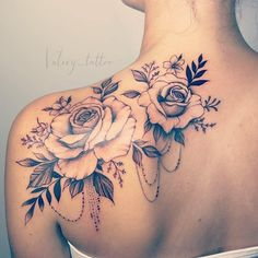 Tätowieren Sie die # Rose Tattoo Tattoo Tattoo # Rose Tattoo # … – diy tattoo images, You can collect images you discovered organize them, add your own ideas to your collections and share with other people. Back Of Shoulder Tattoo, Shoulder Tattoos For Women, Flower Tattoos On Shoulder, Sunflower Tattoo Shoulder, Rose Tattoos For Women, Flower Tattoos On Back, Shoulder Blade Tattoos, Back Tattoo Women, Tattoo Designs For Women