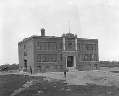 Exterior view of the Rosemount School, Rosemount, Alfred H. Wheeler, Architect.