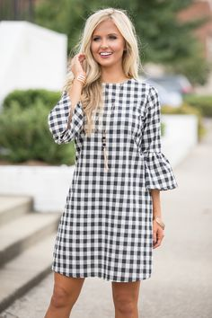 Love this Preppy Paradise Gingham Dress Black for Summer parties - Summer style! Love this Preppy Paradise Gingham Dress Black for Summer parties Source by bdjalali - Preppy Dresses, Casual Dresses, Fashion Dresses, Summer Dresses, Winter Dresses, Winter Skirt Outfit, Casual Winter Outfits, Spring Outfits, Unique Outfits