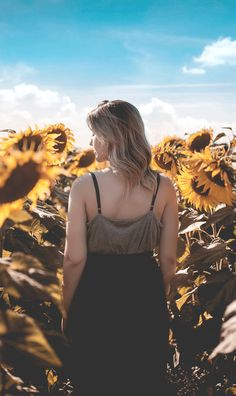 Perfect Captions About Spring To Bring Sunshine To Your Posts Beauty Advice, Natural Beauty Tips, Beauty Hacks, Beauty Quotes, Beauty Ideas, Perfect Captions, Sunflower Pictures, Smell Of Rain, Yoga At Home